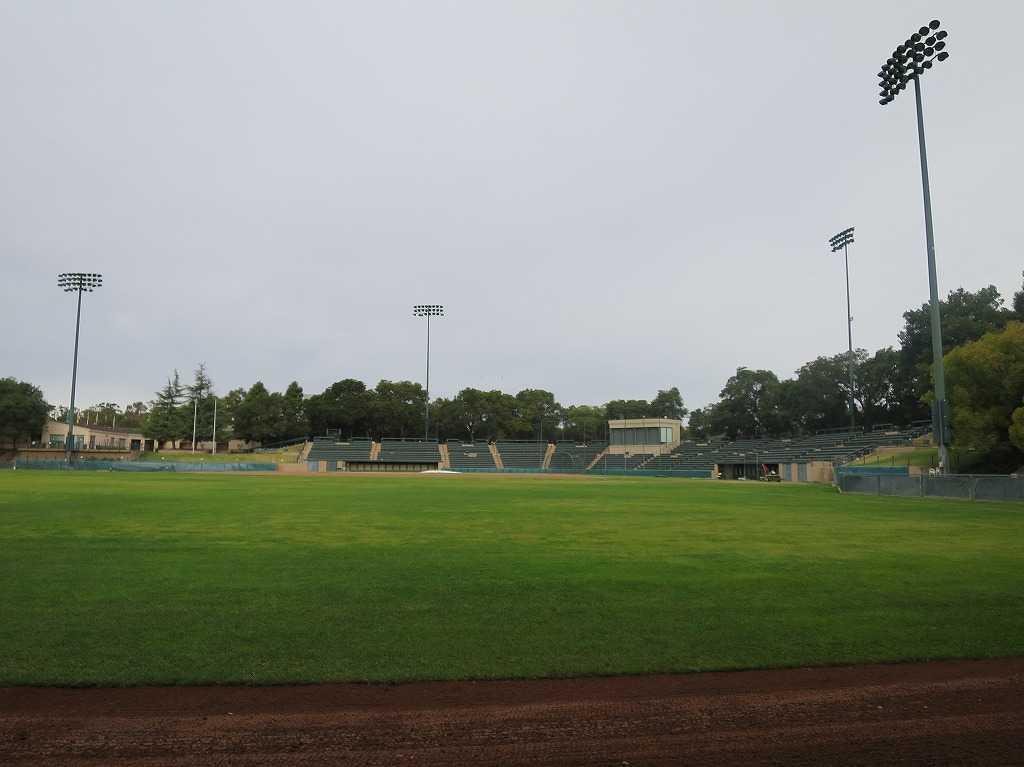 スタンフォード大学 - 硬式野球グラウンド
