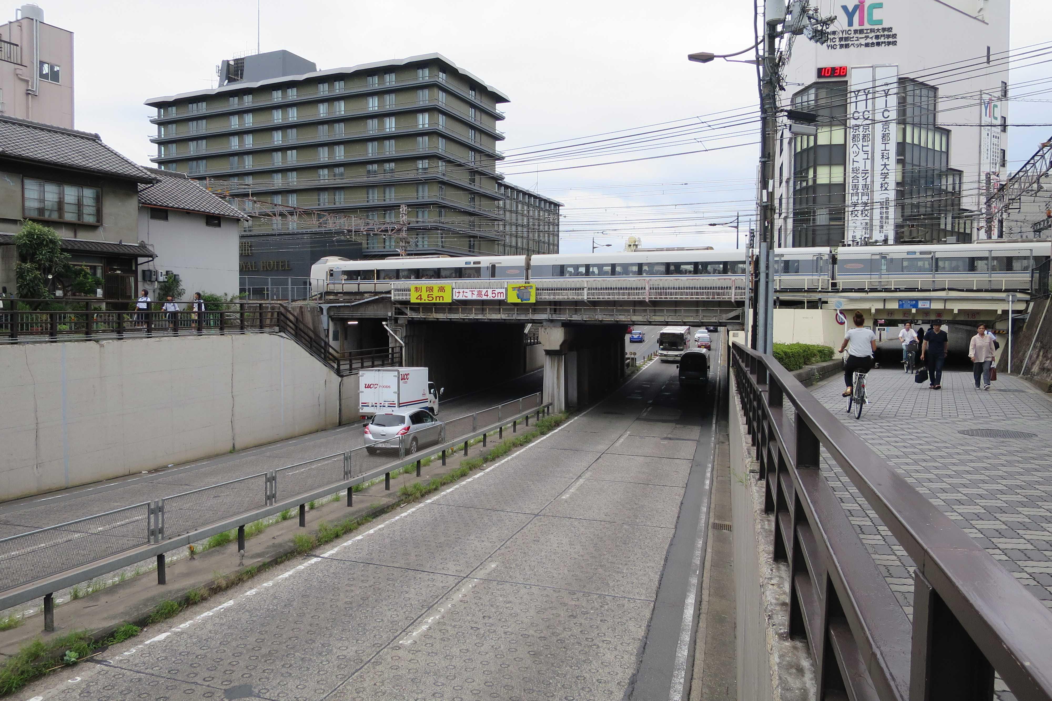堀川通の立体交差