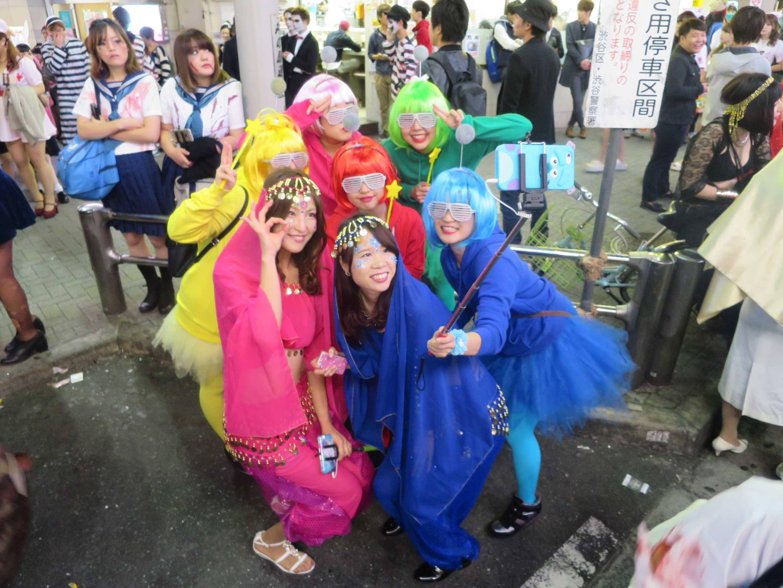 渋谷ハロウィン - 原色のコスチューム
