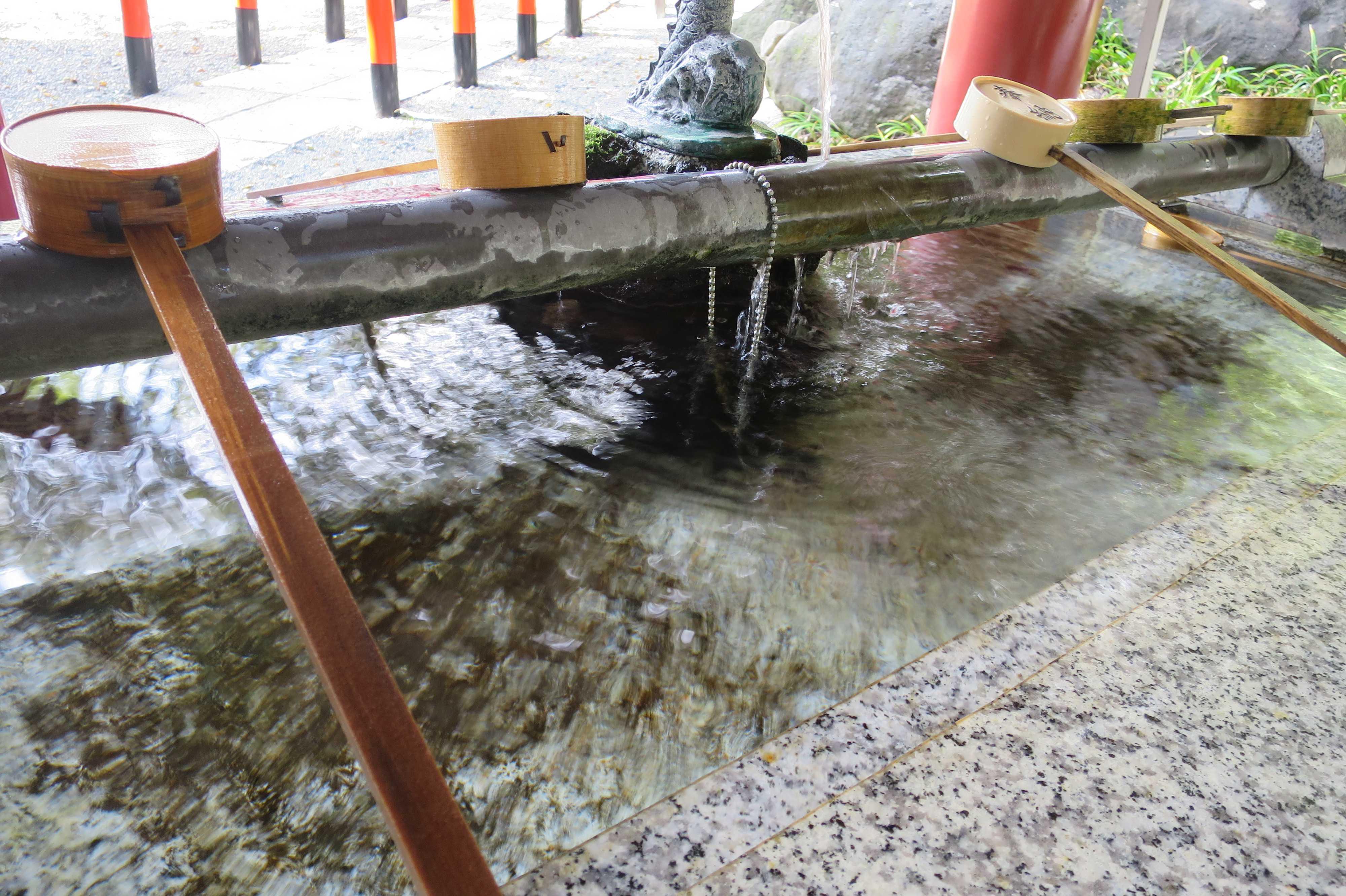 来宮神社 - 手水舎(ちょうずや)