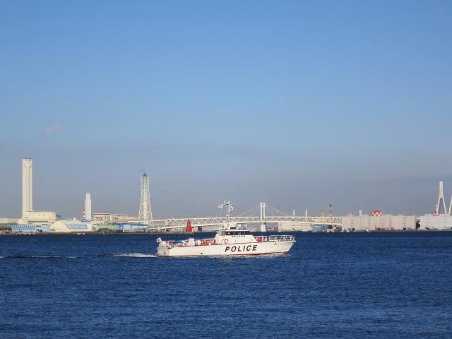 横浜港の警備艇