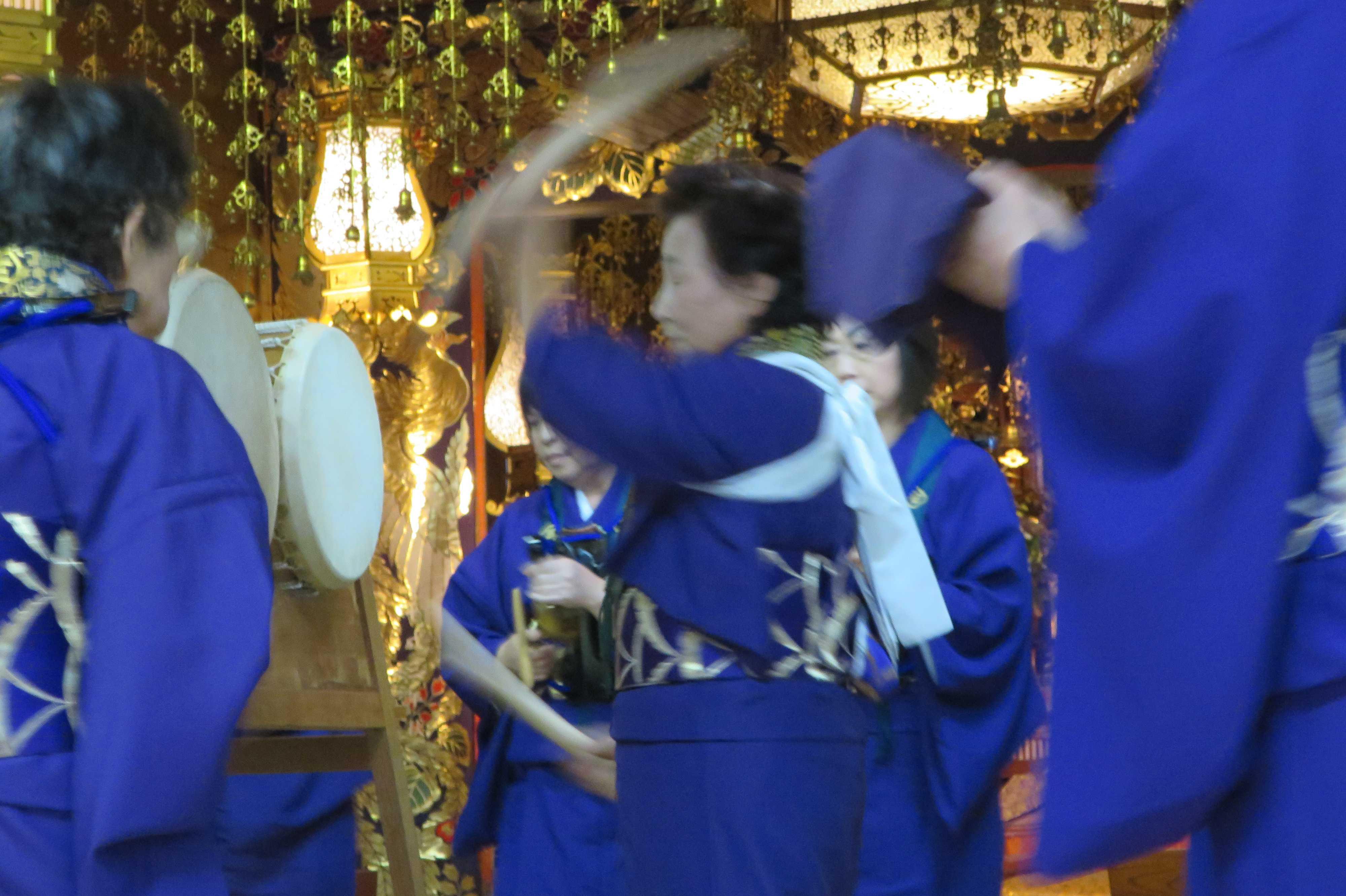 無量光寺の踊り念仏 - 和太鼓と太鼓方(太鼓を叩く人)
