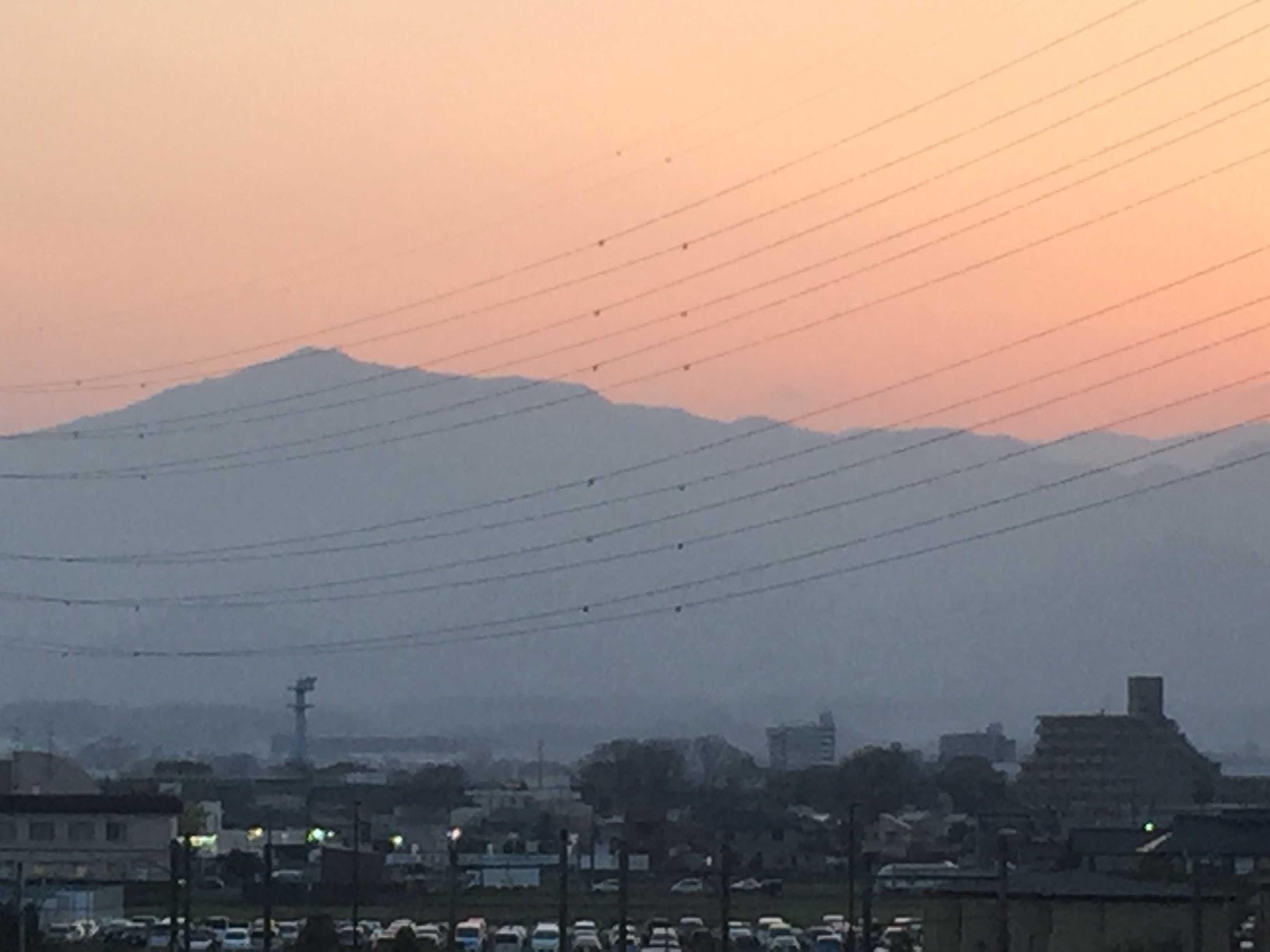 大山の夕暮れ