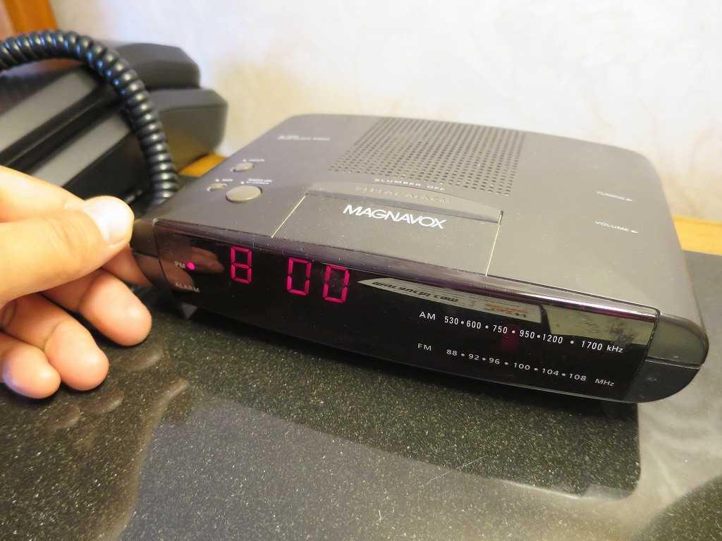 サンフランシスコ - ホテルの部屋のラジオ