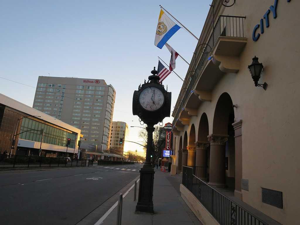 ウエスト・サン・カルロス・ストリート(W San Carlos Street)