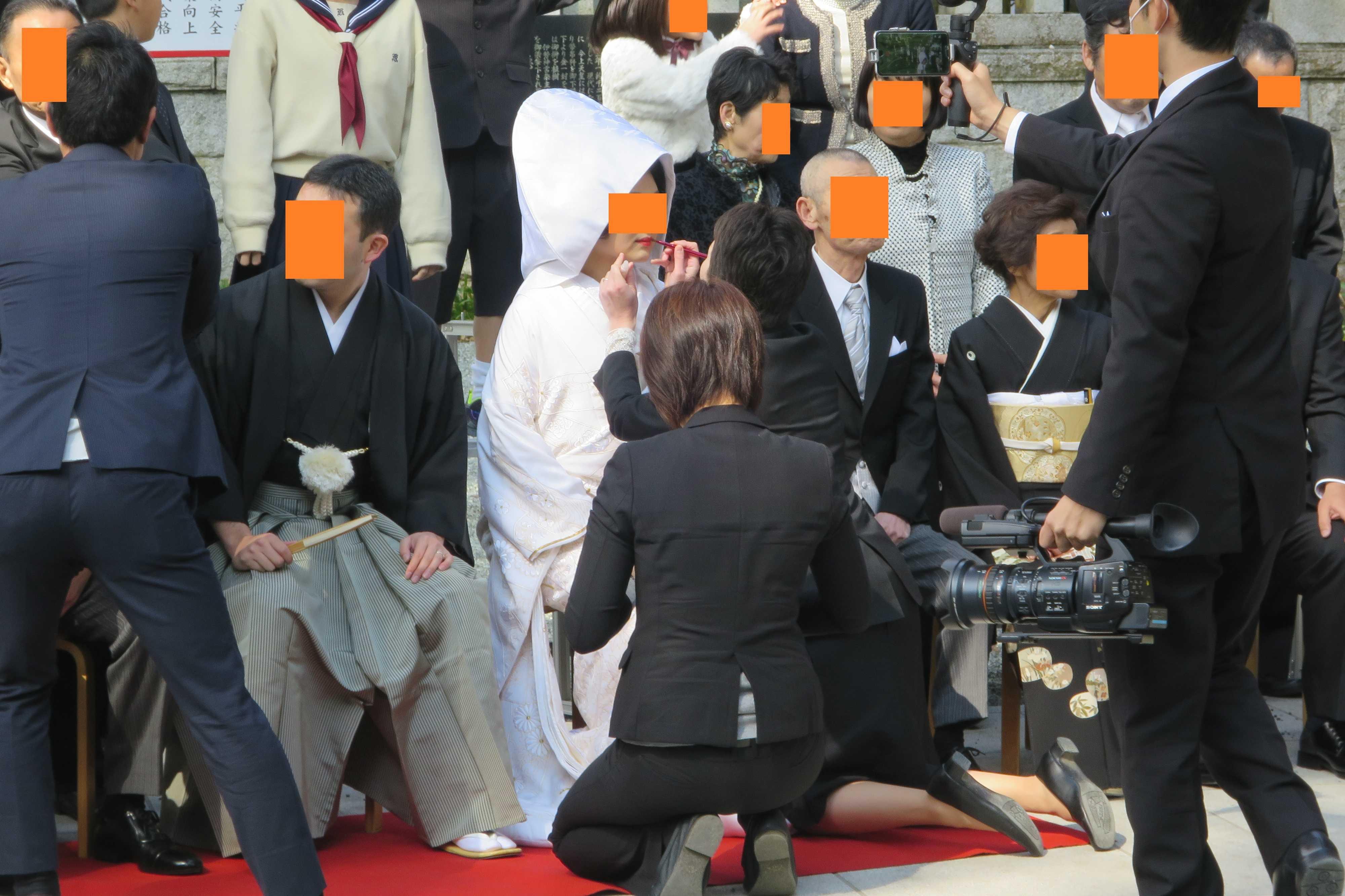 来宮神社 - 紅を差される白無垢の花嫁さん
