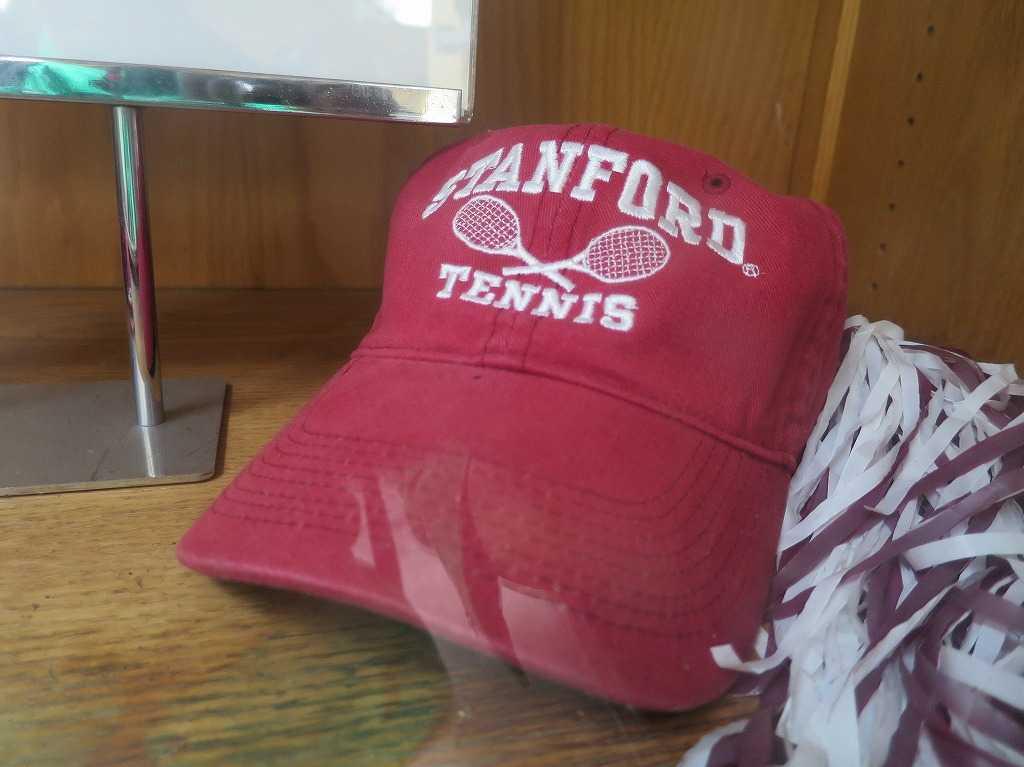 スタンフォード大学のテニス帽