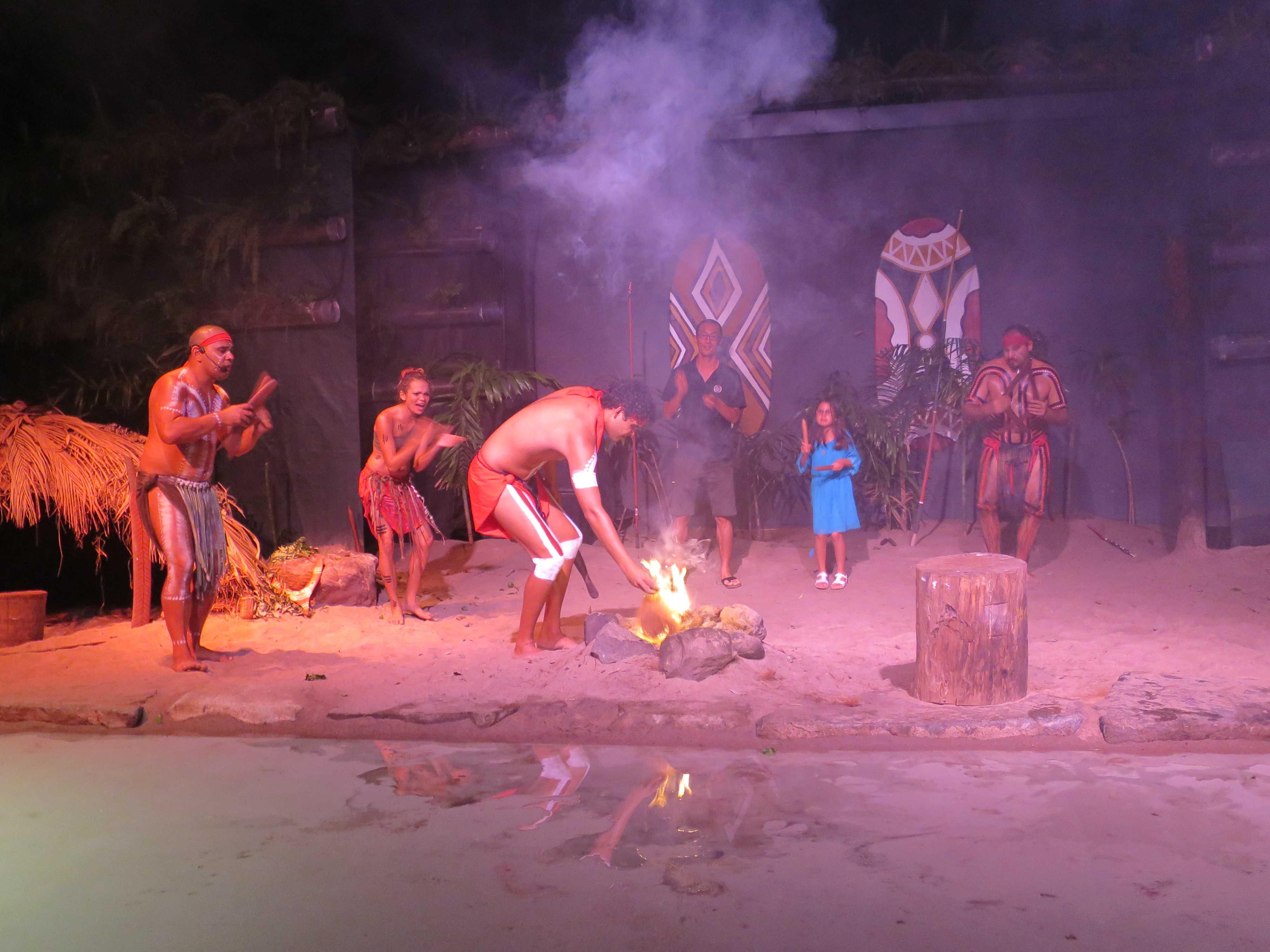 火をコントロールするジャプカイ族