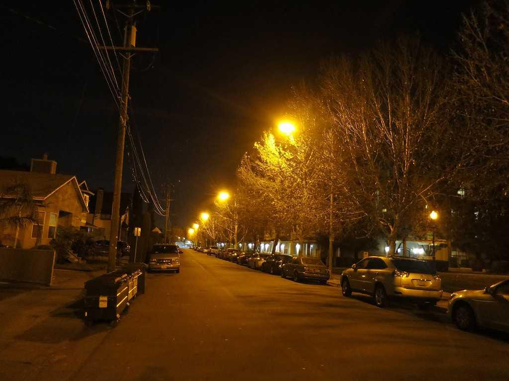 夜のサンノゼ郊外