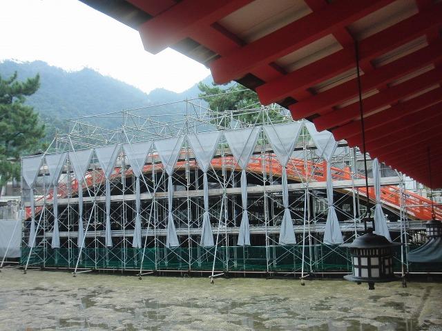 厳島神社の太鼓橋
