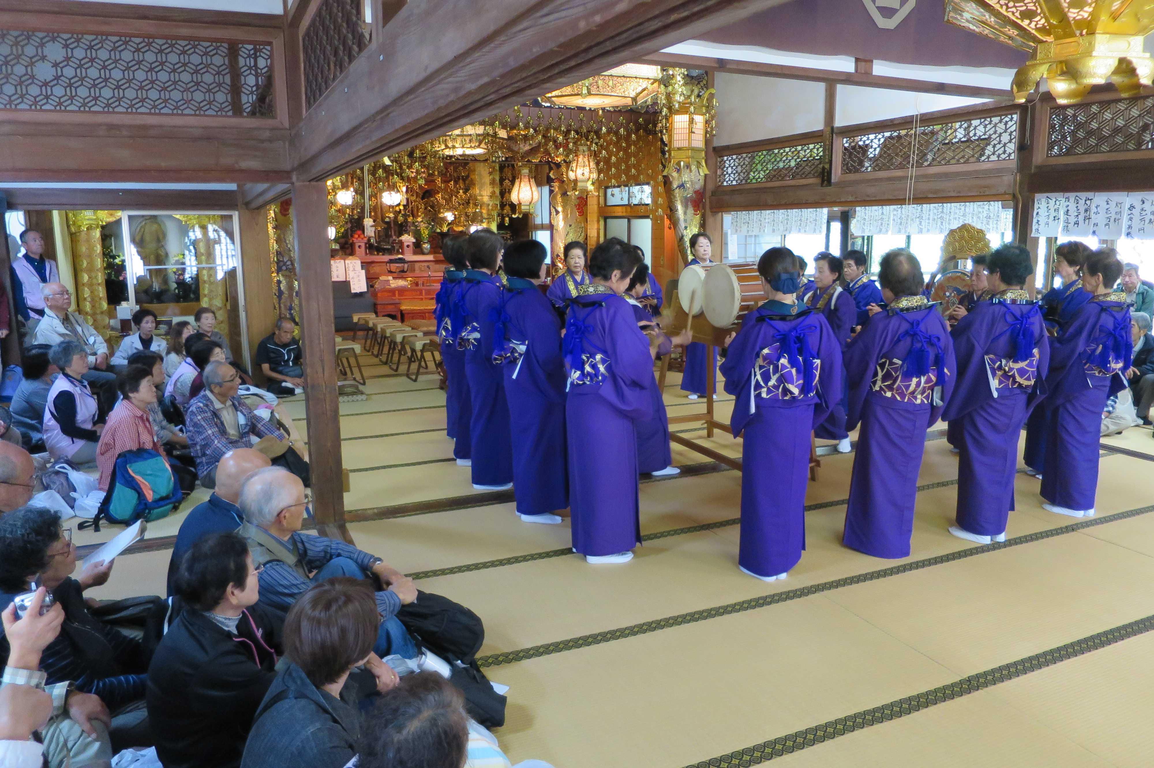 無量光寺の踊り念仏 - すばらしい空間