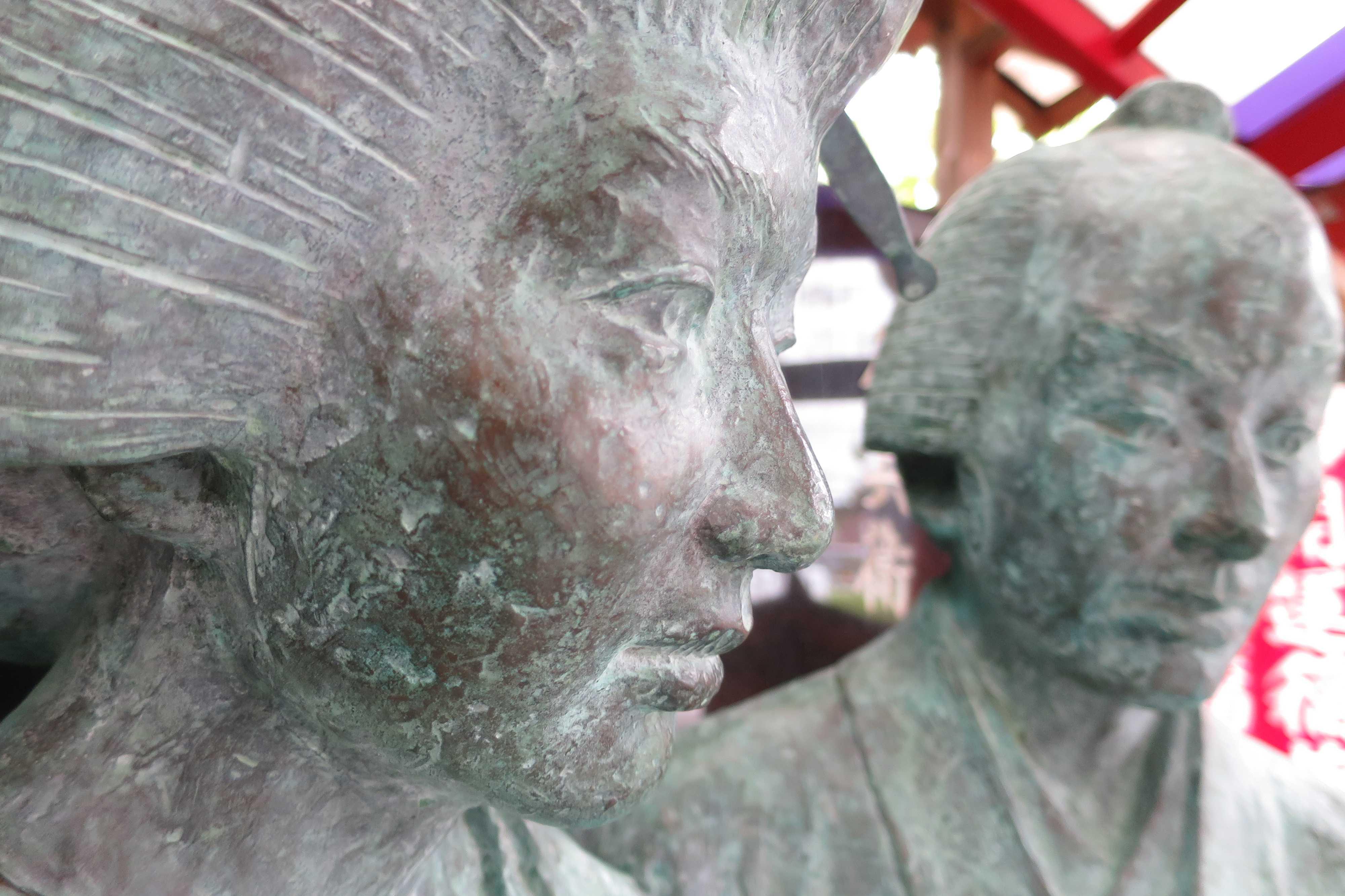 お初天神のお初徳兵衛の銅像(ブロンズ像)