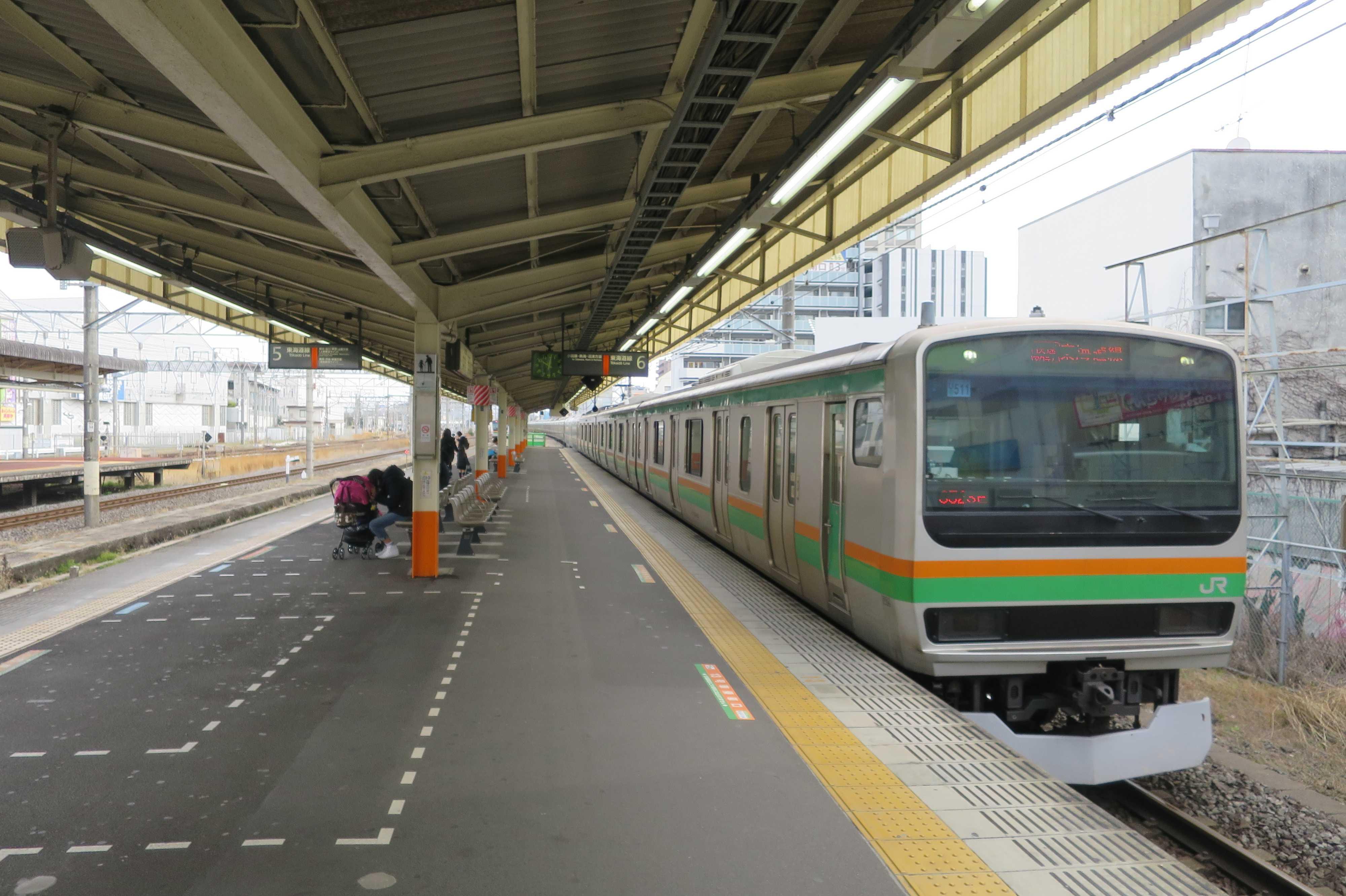 東海道線 オレンジと緑の湘南カラーの車両