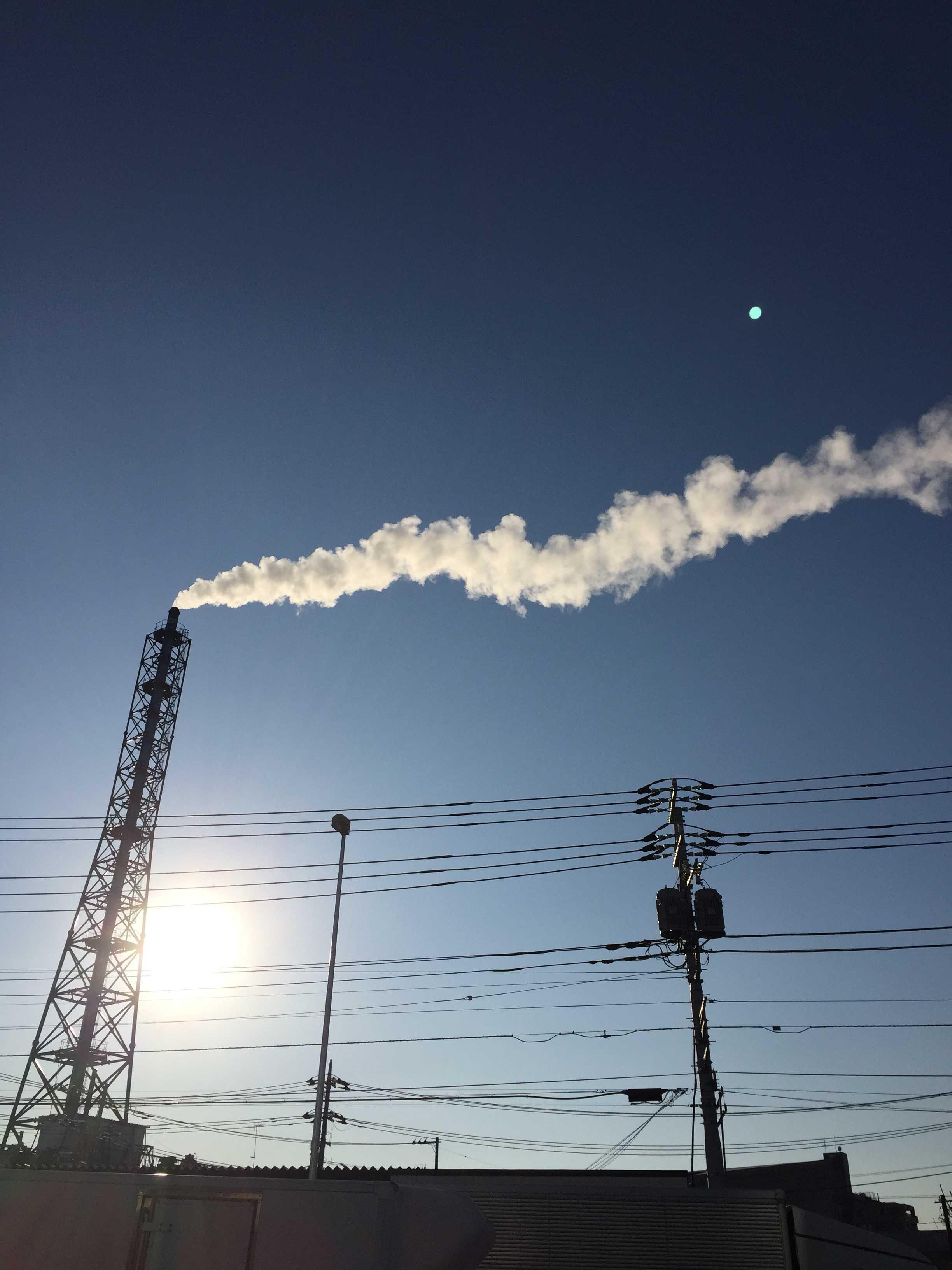 橋本五差路近くの煙突