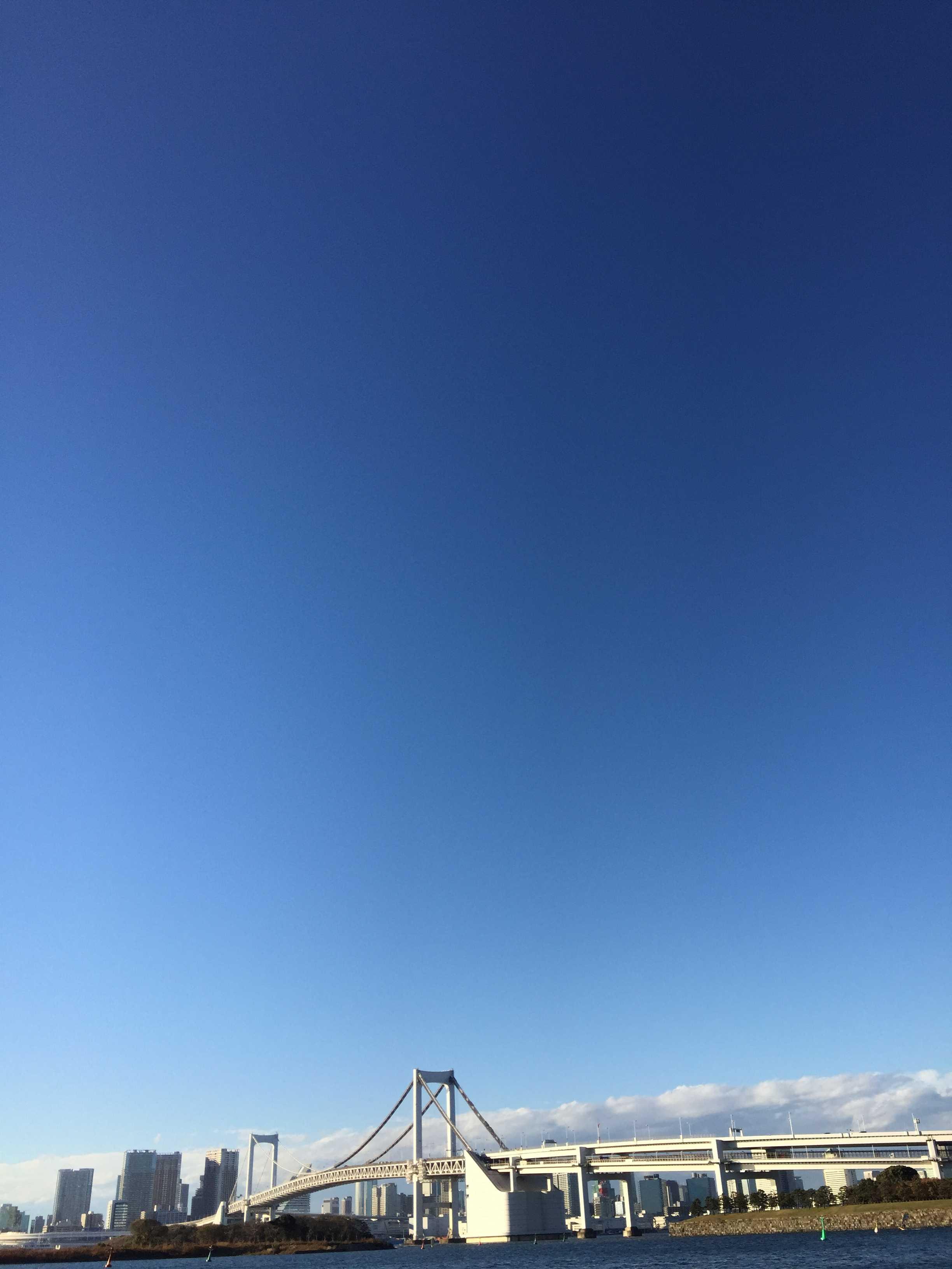 お台場海浜公園から見たレインボーブリッジ