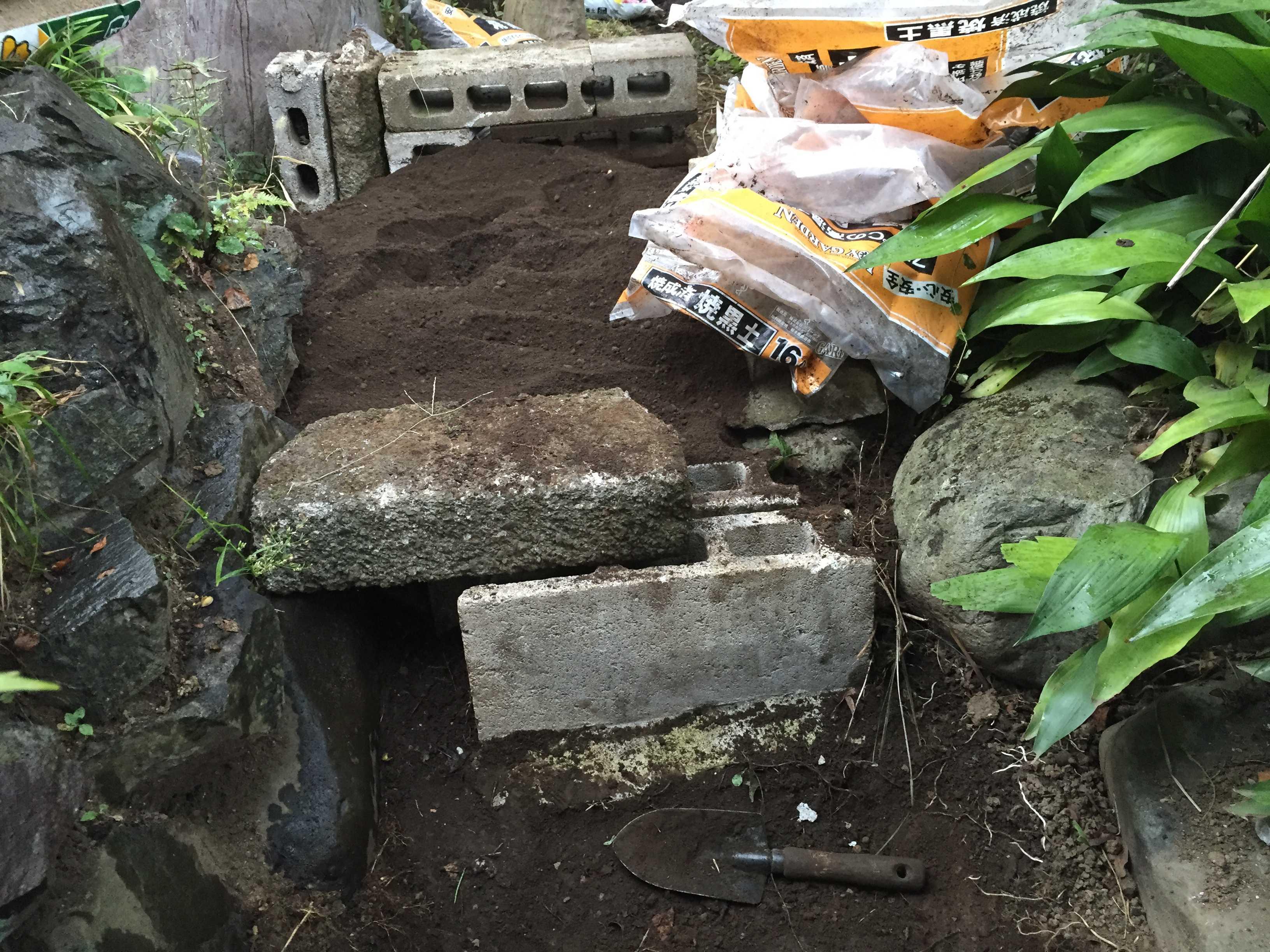 ヤマユリの鱗片定植 - 土づくり