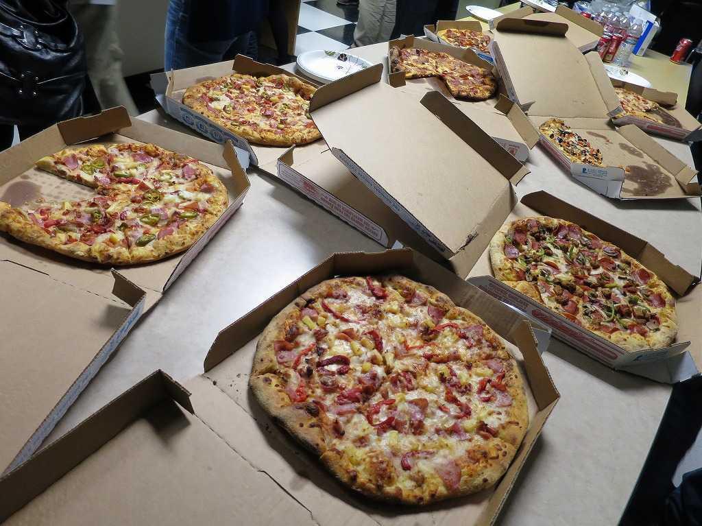 サンノゼ - ネットワーキングの必需食、ピザ。
