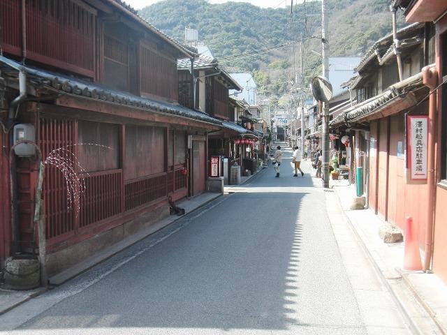 鞆・澤村船具店前の通り