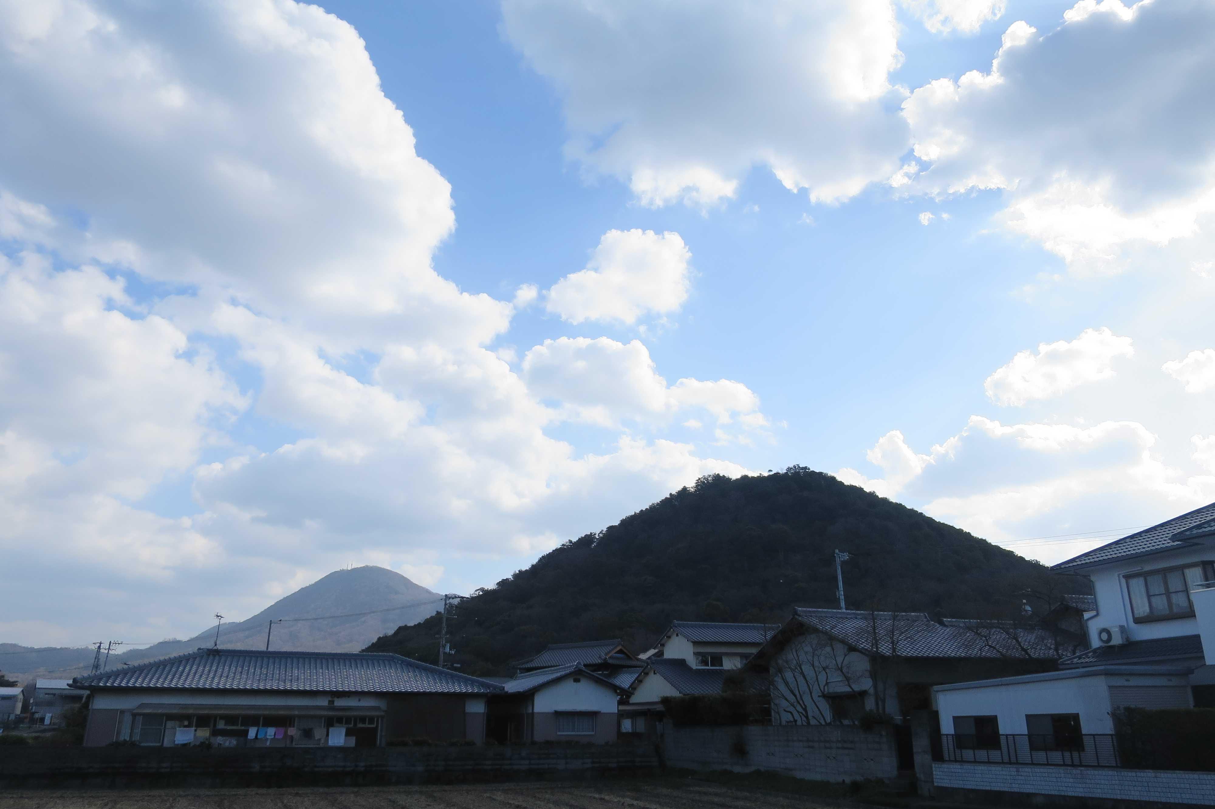 香色山 - 美しい讃岐の風景