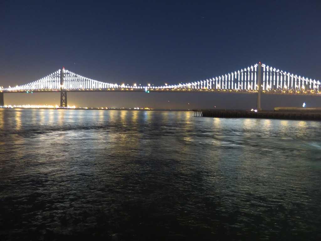 夜のベイブリッジ(サンフランシスコ・オークランド・ベイブリッジ)