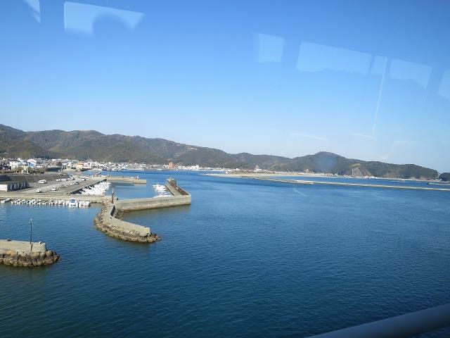 高知の名も無き漁港