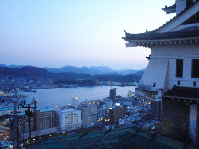 尾道城越しに望む尾道市街