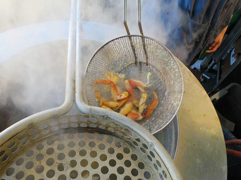 フィッシャーマンズワーフ - 茹で上がったカニ(蟹)