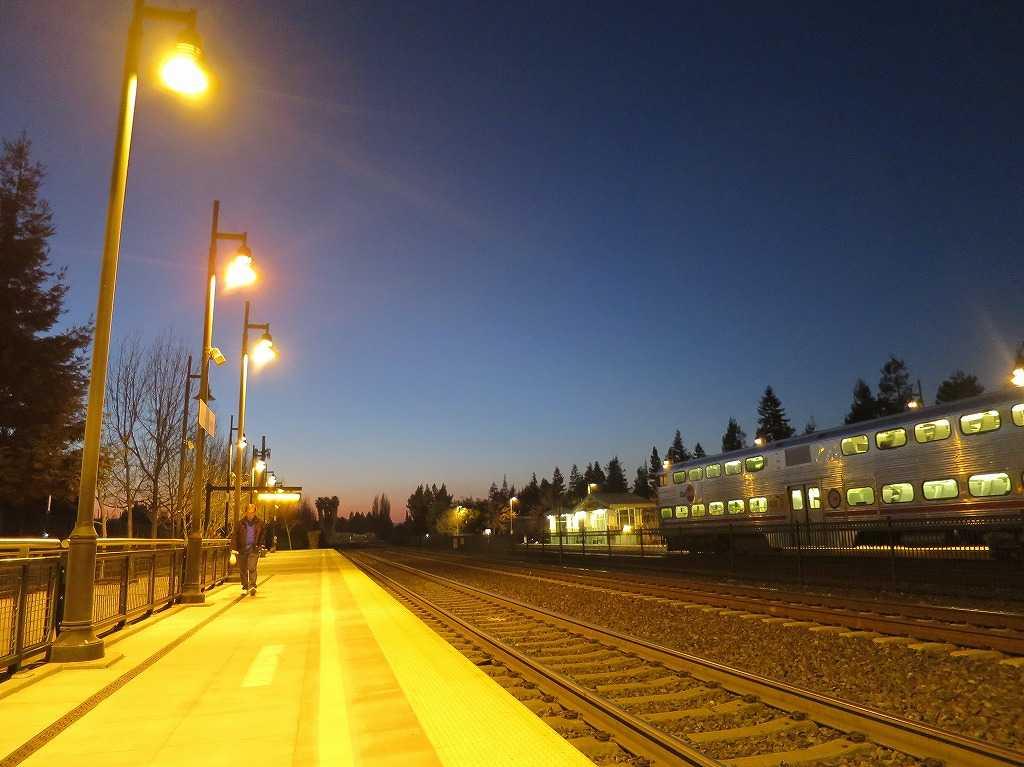 ローレンス駅のブルーアワー
