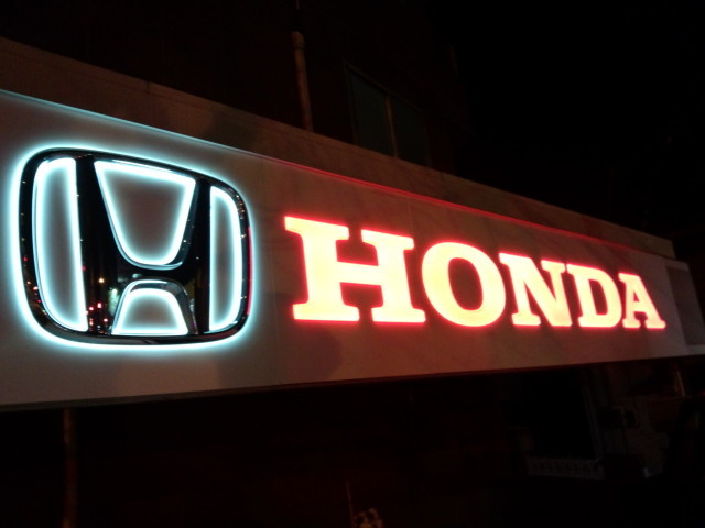 HONDAのネオンサイン