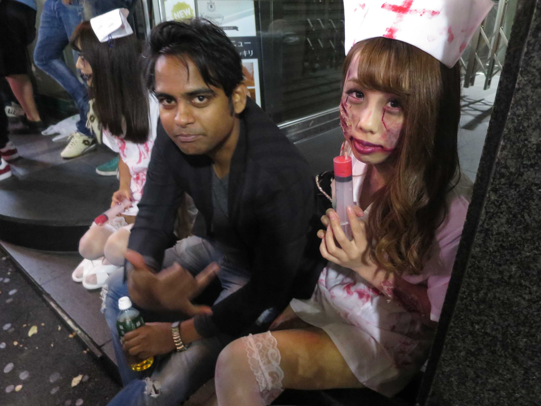 渋谷ハロウィーン - 注射器を持つ看護婦