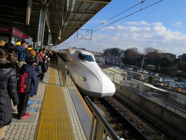 新横浜駅ののぞみ