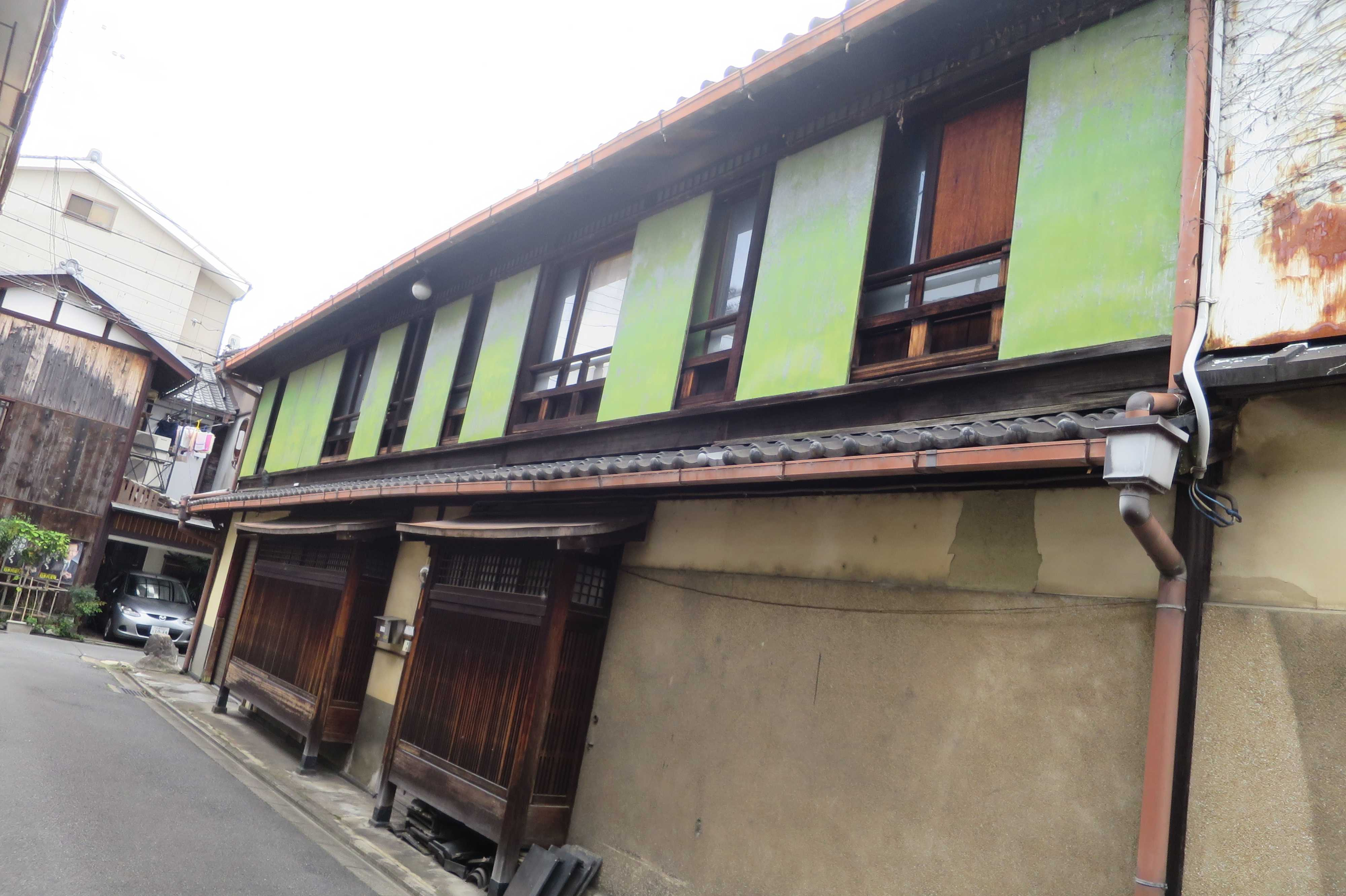 京都・五条楽園 - 出窓格子