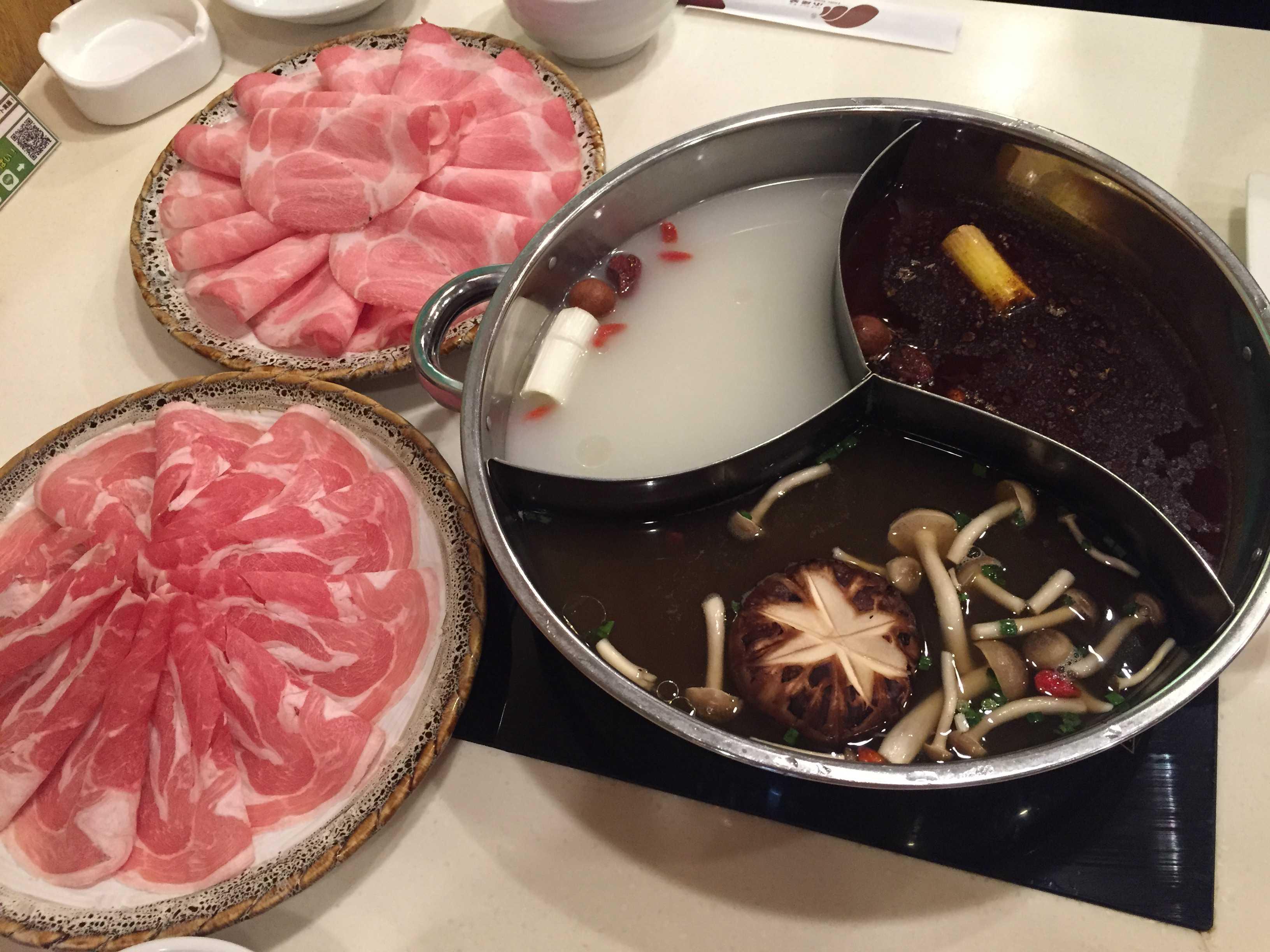 国産豚ロース、上ラムロース(羊肉) - 小尾羊 新大久保店