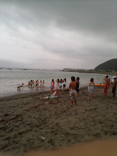 若さまぶしい慶応大学・海の家 (葉山・大浜)