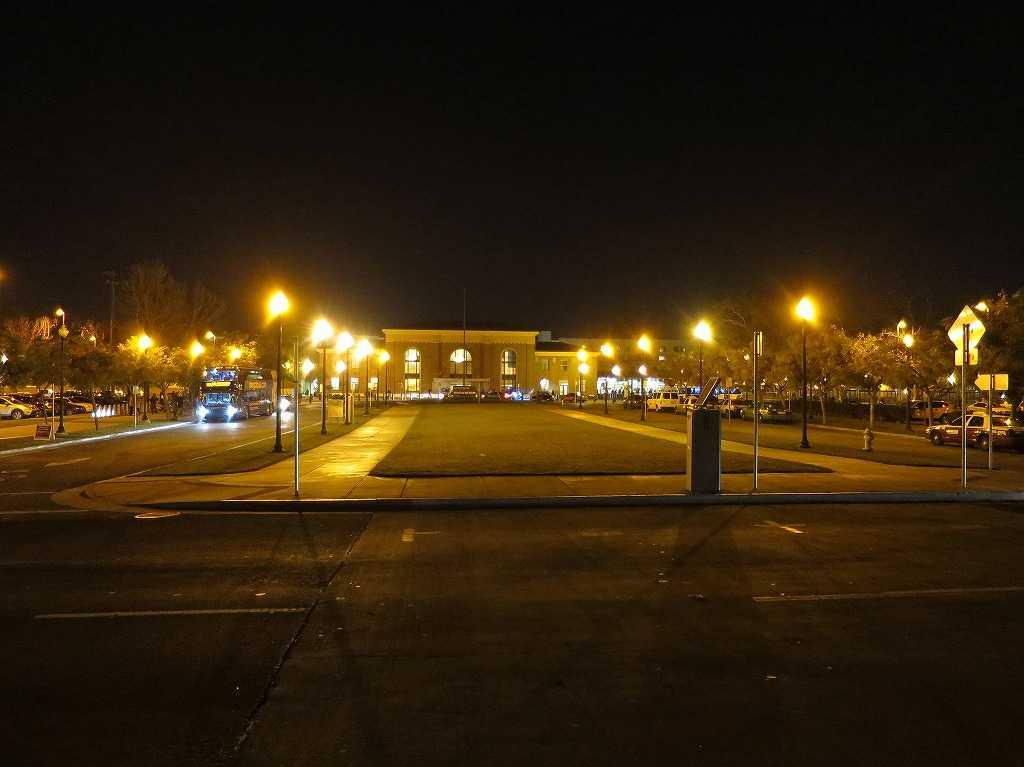 夜のサンノゼ・ディリドン駅