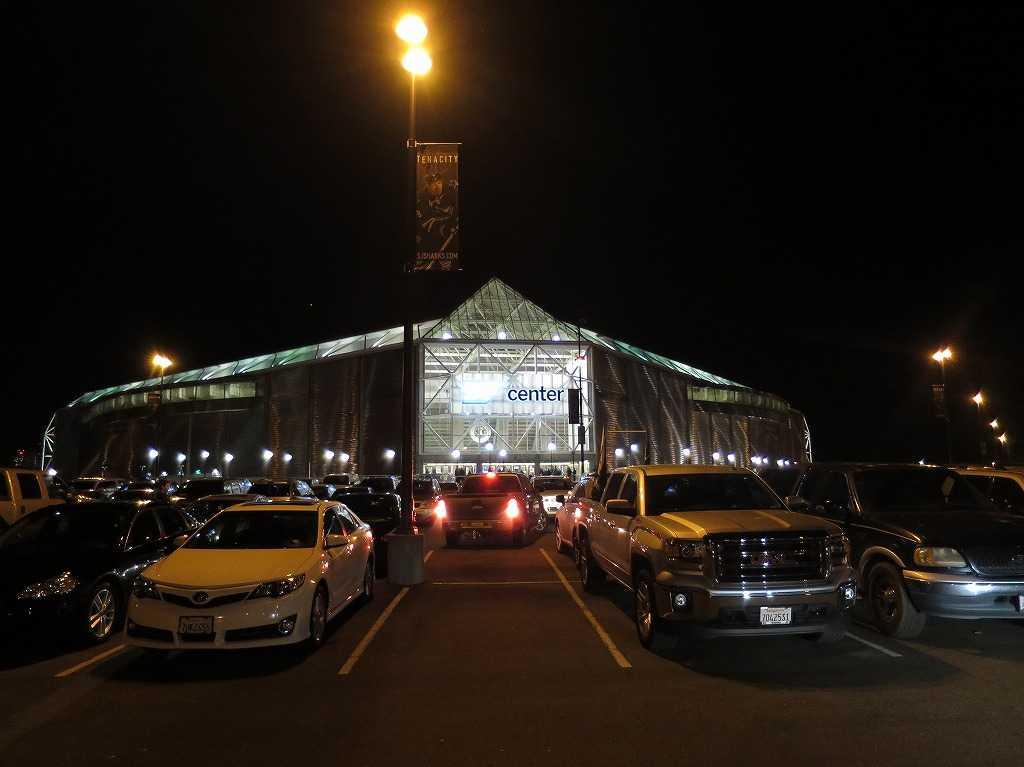 駐車場側から見た「SAPセンター・アット・サンノゼ」