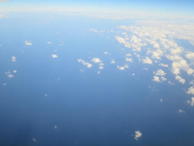 飛行機の窓から見えた景色