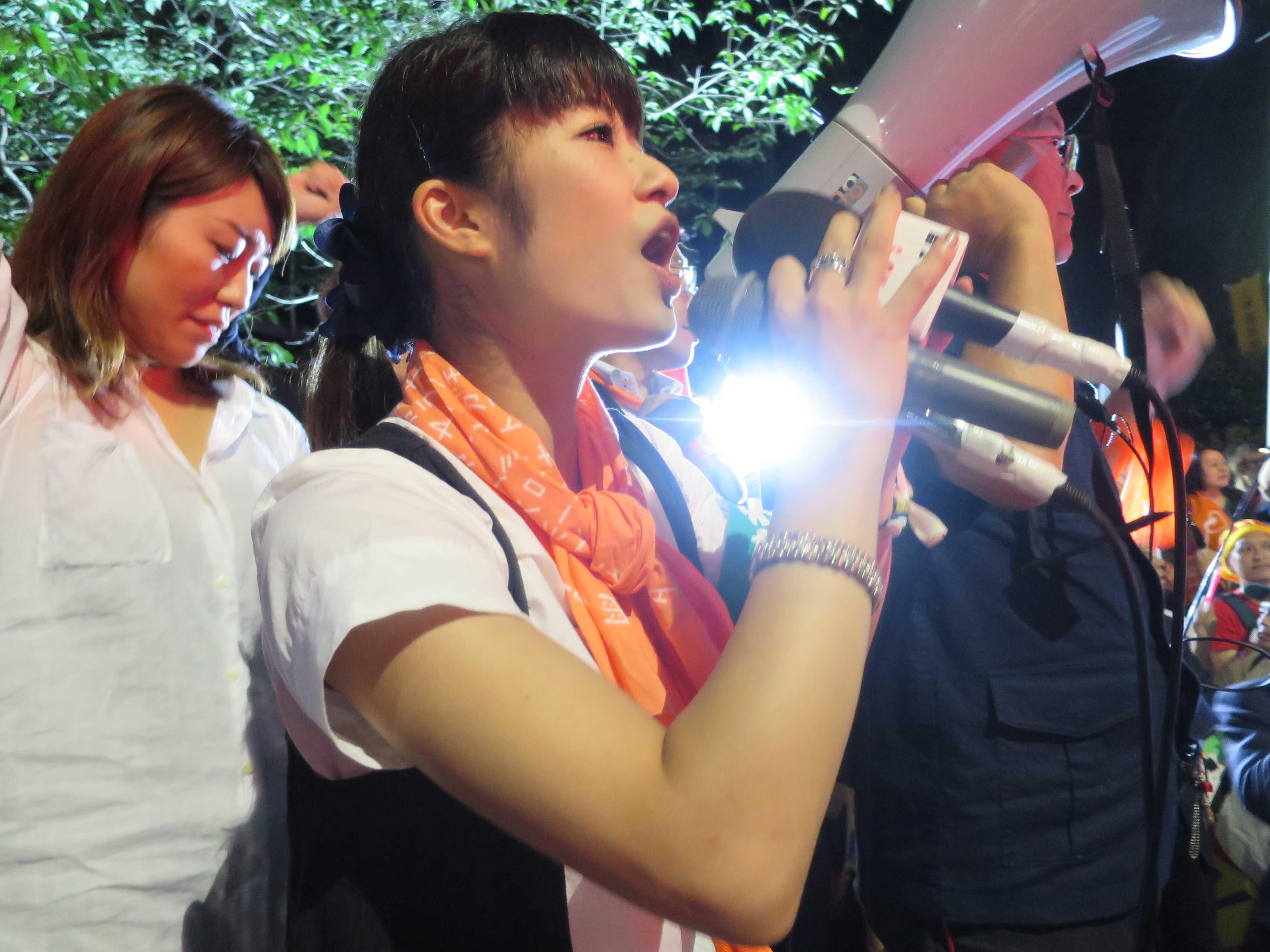 市民運動家・菱山南帆子さん