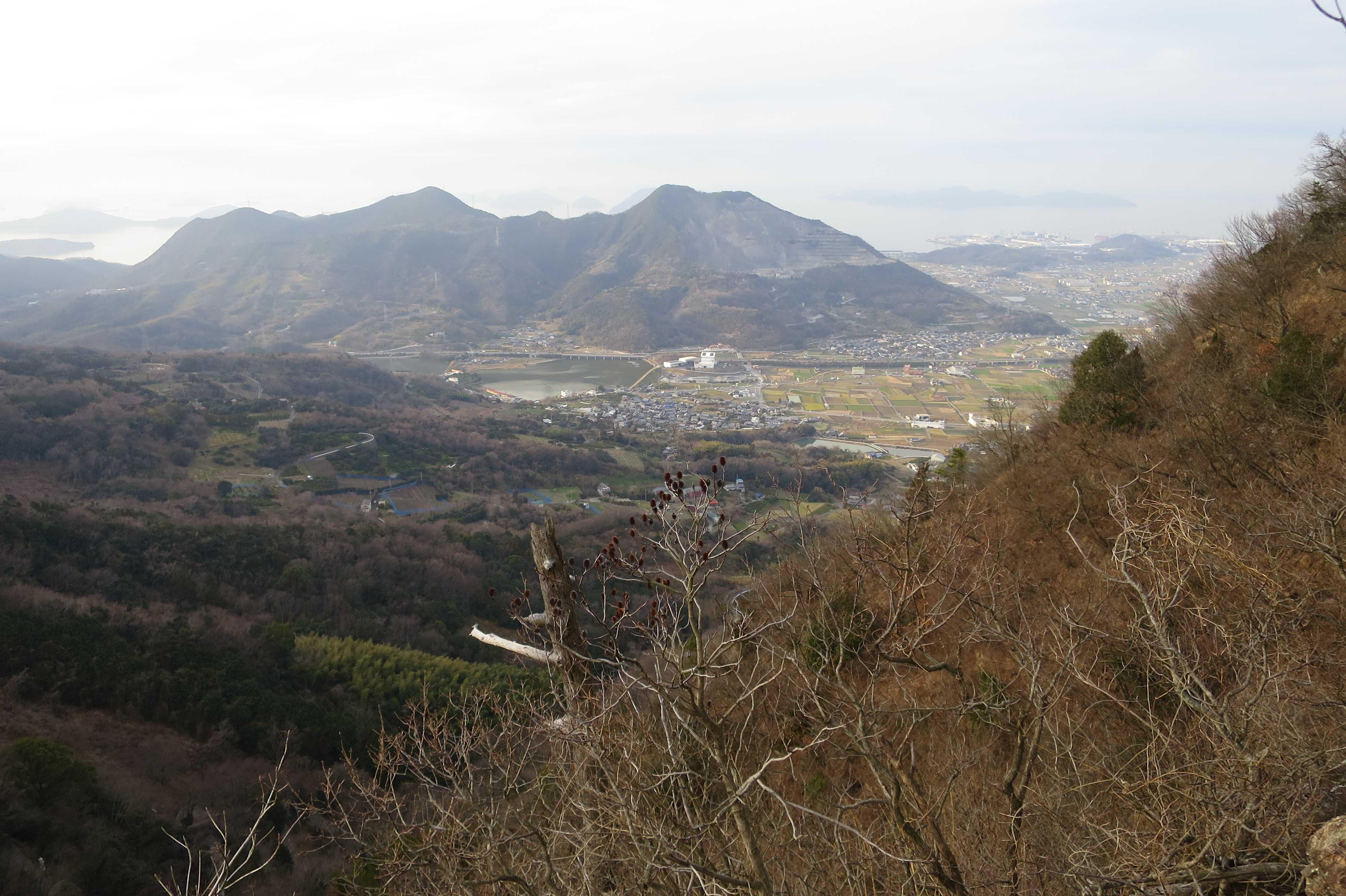 天霧山と弥谷山