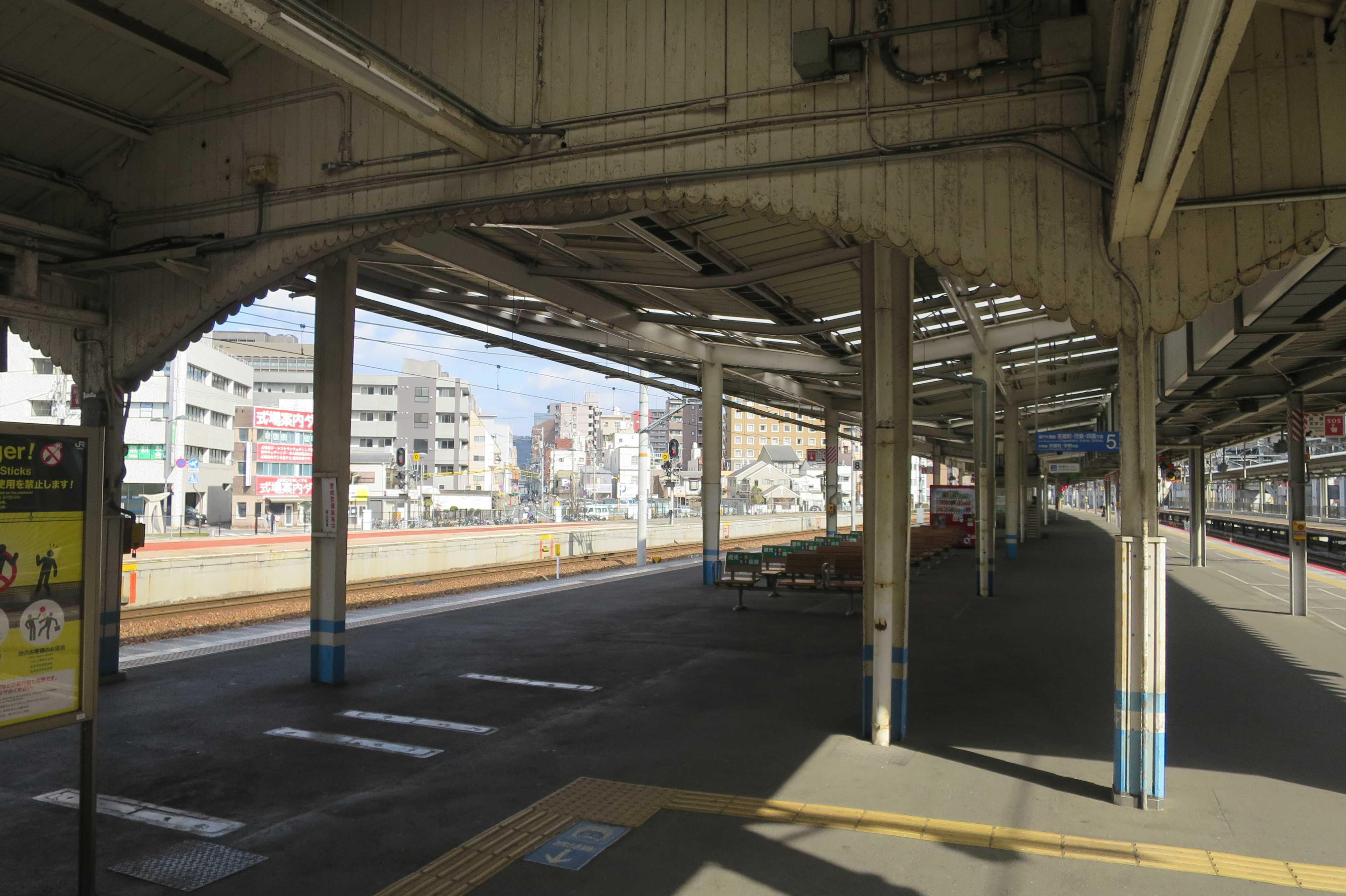 JR岡山駅のいい雰囲気の駅舎