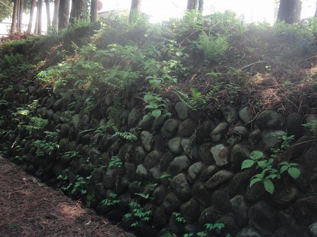 日光杉並木街道の石垣