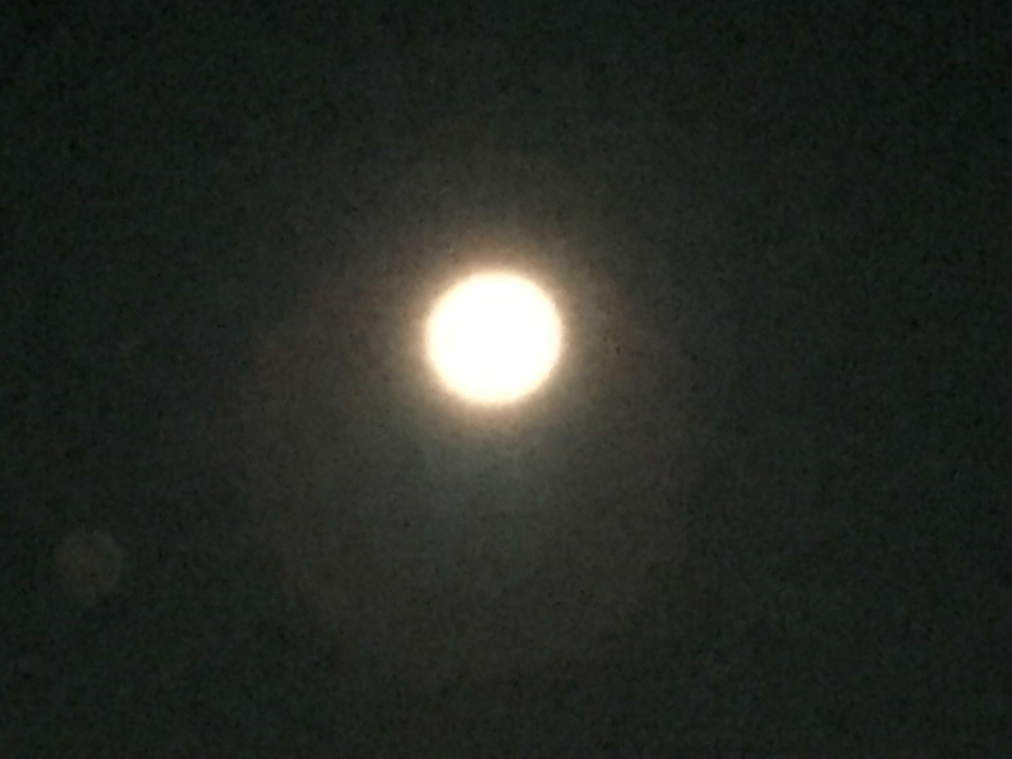 平成28年 5月22日(日)午前3時過ぎの満月 - 東京・八王子