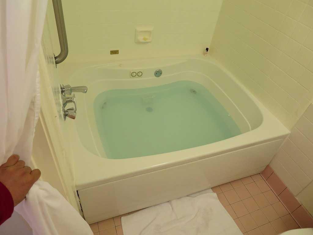 サンノゼ - アリーナホテルのバスタブ(お風呂)