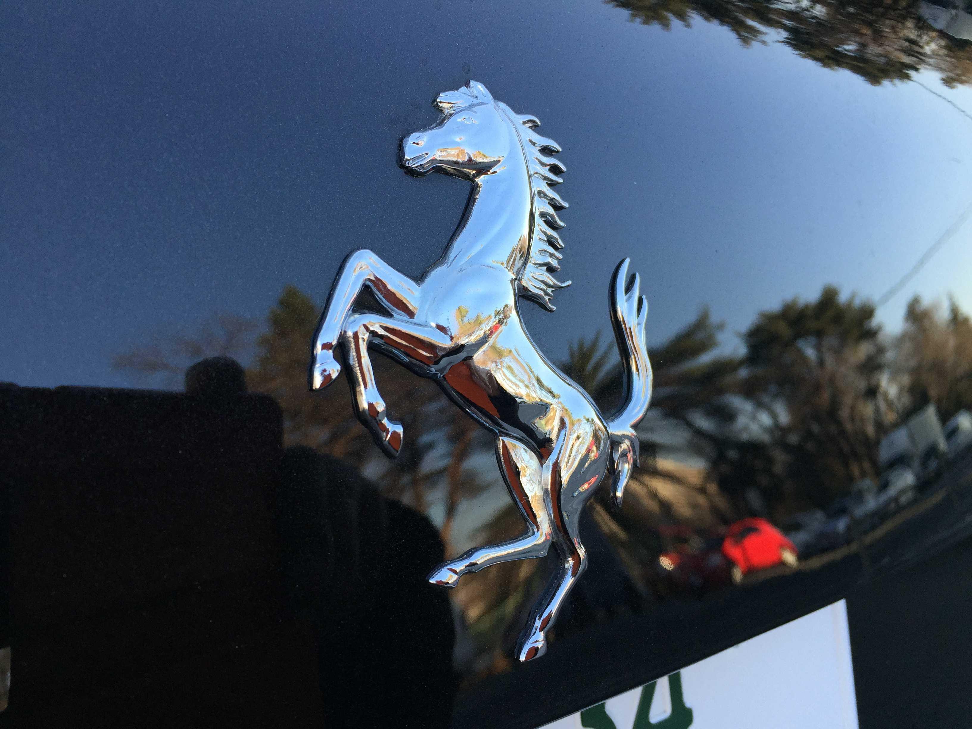 フェラーリの跳ね馬