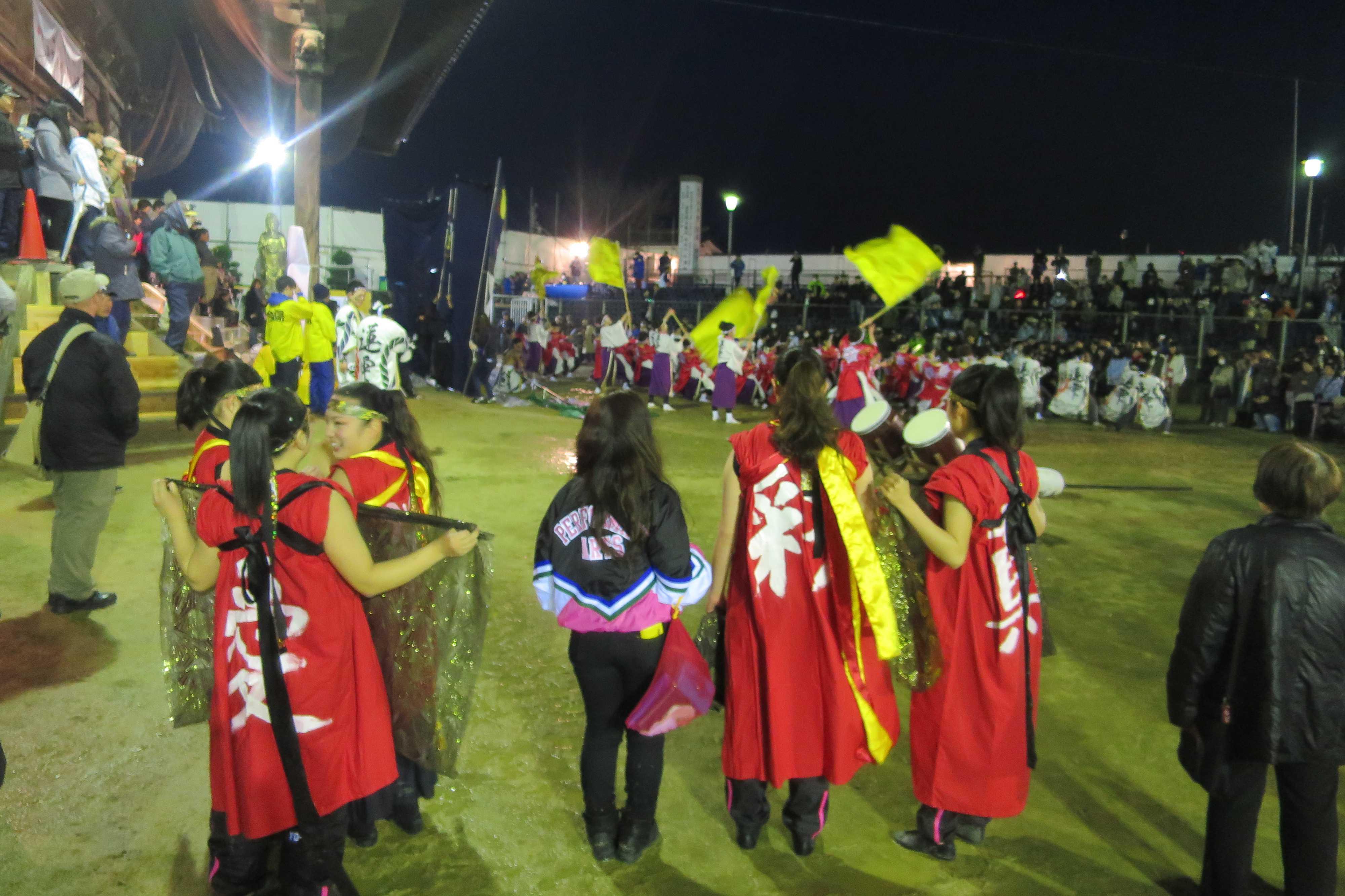西大寺本堂前の奉納演舞