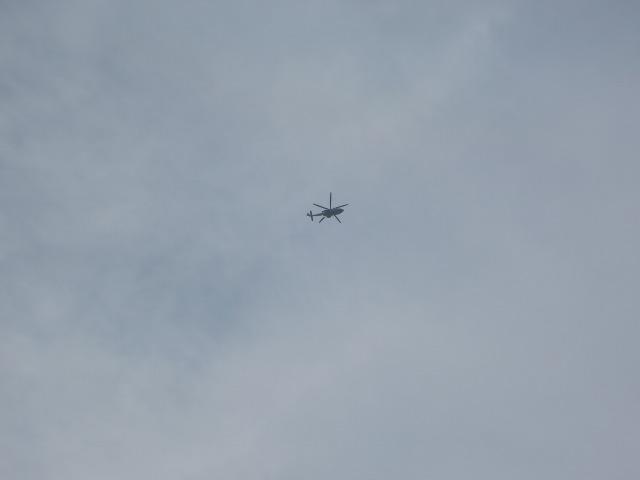 iPhone 6発売日、銀座上空を旋回するヘリコプター