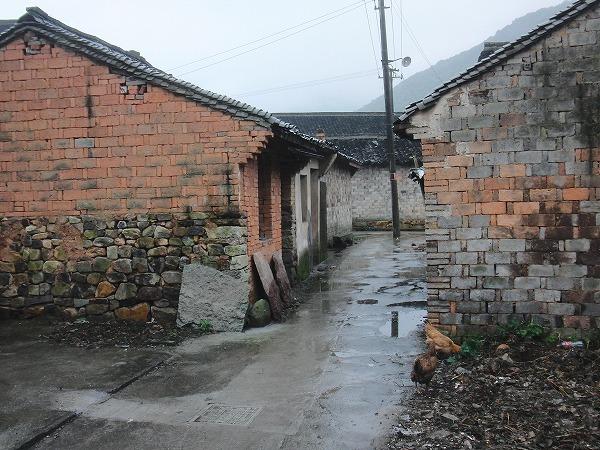 中国 寧波 - レンガを積んだ家