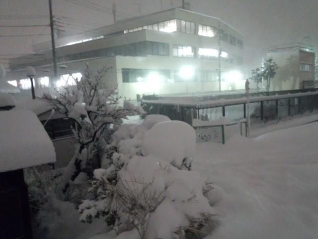 大雪の日の八王子郵便局(本局)