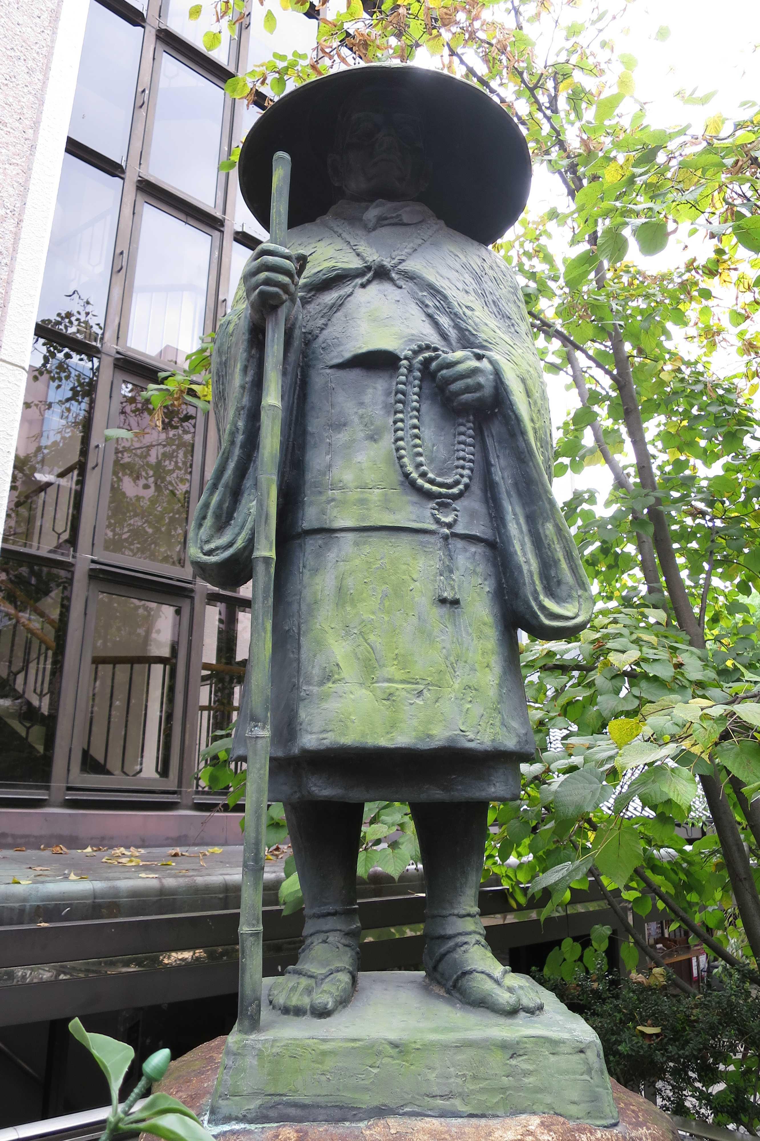 京都・六角堂 - 親鸞上人像