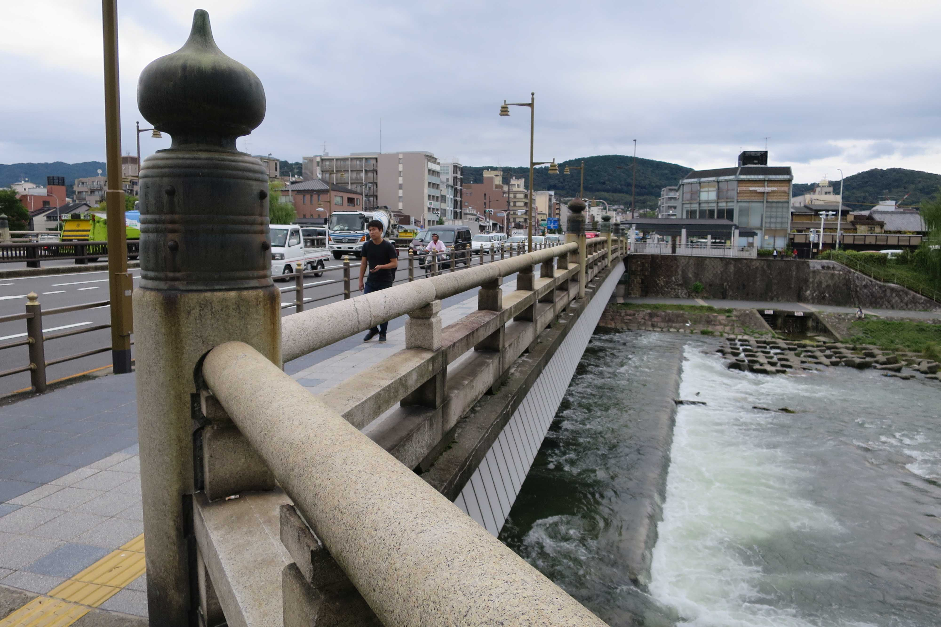 京都・五条大橋